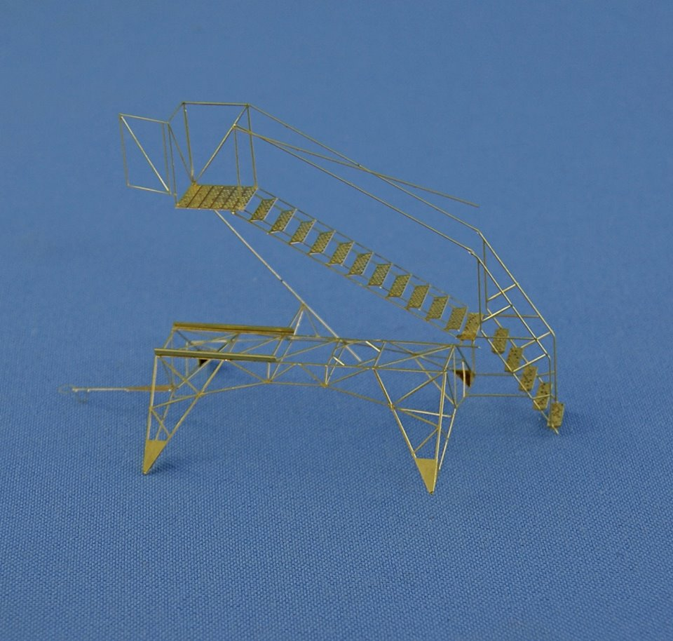 Work in progress: 1/72 ladder for Tu-22M3
