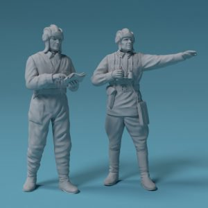 1/144 Soviet tank or armored car crew 1939-1942 – set of two figures