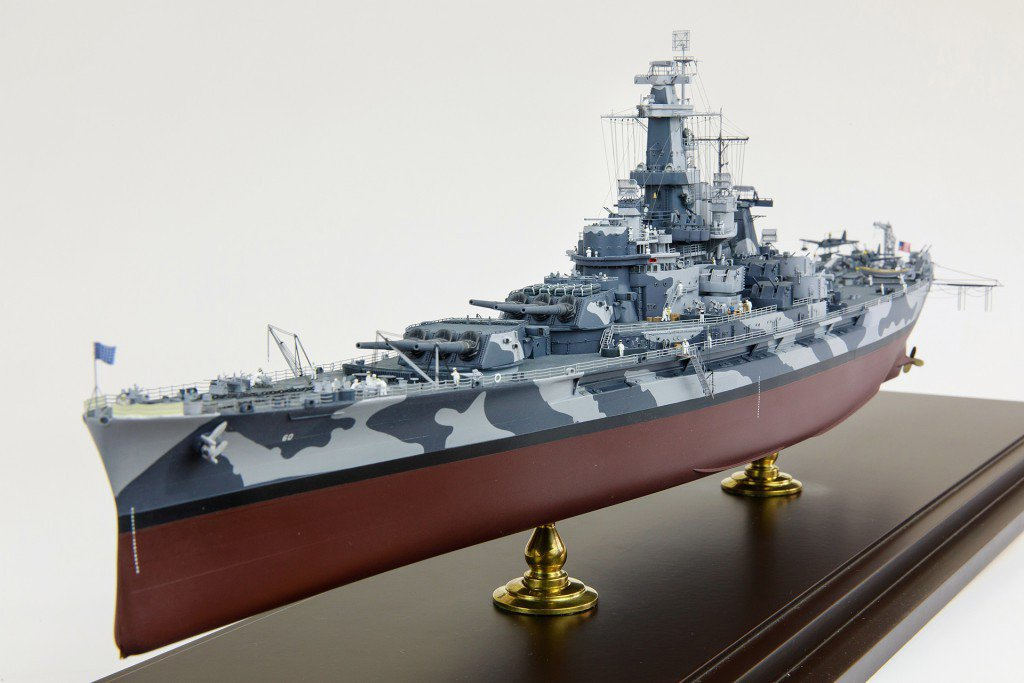 Trumpeter 1/350 USS Alabama (BB-60) on 1942 year.