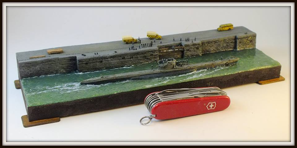 1/350 The output of the submarine U-VIIC from the base of La Rochelle diorama