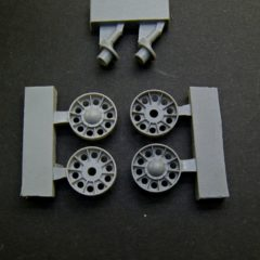 1/35 T-34 SU 1942/1943 Idler Wheels (midle type) without rubber bandage, rims  + cranks.